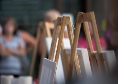 Easels ready for action at Battle Of The Brushes. Photo: Will Skol